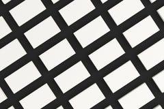 Maqueta en blanco blanca de las tarjetas de visita en fondo negro Fotografía de archivo