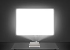 Maqueta en blanco de la pantalla de proyector en la pared Luz de la proyección Fotos de archivo libres de regalías