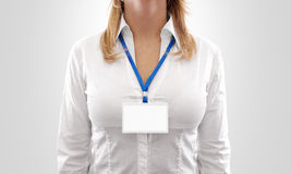 Maqueta horizontal blanca de la insignia del espacio en blanco del desgaste de mujer Foto de archivo libre de regalías