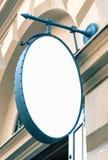 Maqueta oval en blanco de la señalización del restaurante foto de archivo