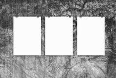 Maquette de trois affiches sur le mur Photographie stock