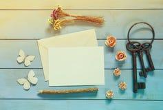 Maquette de vintage sur le fond en bois Photo stock