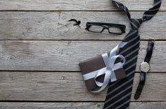 Maquette pour la carte de voeux sur le fond en bois rustique Photographie stock libre de droits