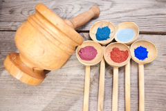 Maquillage avec la poudre minérale Images libres de droits