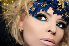 Maquillage bleu luxueux. Photos stock