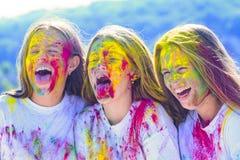 Maquillage cr?atif multicolore E maquillage au n?on color? de peinture Partie heureuse de la jeunesse opportuniste image stock