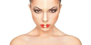 Le visage de la fille avec le maquillage créatif de Noël Image libre de droits