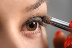 Maquillage fumeux d'oeil de Brown Photos stock