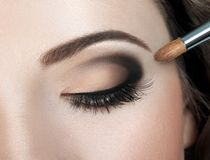 Maquillage Maquillage de sourcil Images stock
