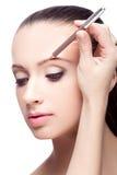 Maquillage pour des sourcils photographie stock libre de droits