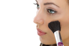 Maquillaje. Aplicación del cepillo de los cosméticos del maquillaje imágenes de archivo libres de regalías