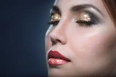 Maquillaje brillante del eith de la mujer de la belleza Fotografía de archivo libre de regalías