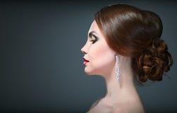 Maquillaje brillante del eith de la mujer de la belleza foto de archivo