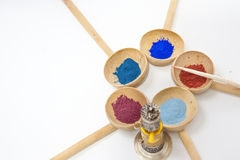 Maquillaje con el polvo mineral Imagenes de archivo