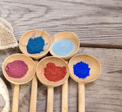 Maquillaje con el polvo mineral Fotografía de archivo libre de regalías