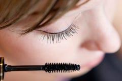 Maquillaje de la mañana de la mujer Imagen de archivo