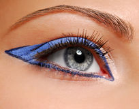 Maquillaje de la manera - flecha azul Foto de archivo