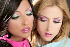 Maquillaje del fahion del estilo de los años 80 de la muñeca de las mujeres de Barbie Foto de archivo libre de regalías