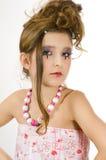 Maquillaje del ojo de la muchacha de la manera que muestra las joyas Foto de archivo libre de regalías