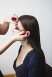 Maquillaje hermoso de la muchacha aplicado Fotos de archivo