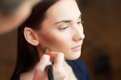 Maquillaje hermoso de la muchacha aplicado Fotografía de archivo libre de regalías