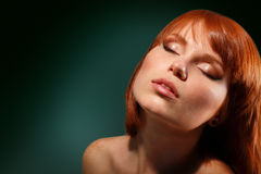 Maquillaje joven hermoso de la mujer Imágenes de archivo libres de regalías