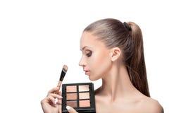 Maquillaje para las morenitas imagen de archivo