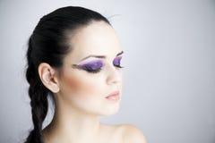 Maquillaje profesional del ojo con de largo de la pestaña de la extensión fotos de archivo libres de regalías