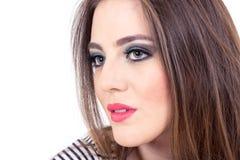 Maquillaje que lleva de la muchacha de ojos verdes hermosa Imagen de archivo