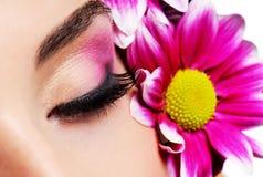 Maquillaje rosado de la sensualidad Imágenes de archivo libres de regalías