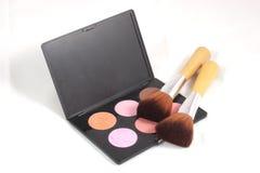 Maquillaje y cepillos Fotos de archivo libres de regalías