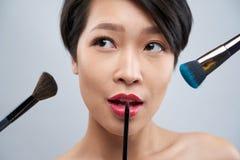 Maquillaje y concepto de los cosm?ticos fotografía de archivo