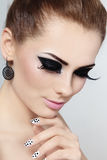 Maquillaje y manicura fotos de archivo