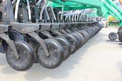 Maquinaria agrícola nova em imagem de stock royalty free