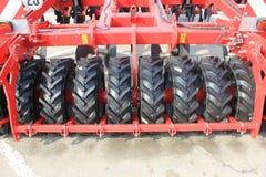 Maquinaria agrícola nova em imagens de stock