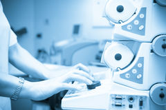 Maquinaria da sala de operações, distribuidor anestésico Fotos de Stock Royalty Free
