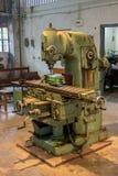Maquinaria velha da oficina, broca fotos de stock