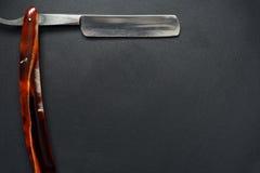 Maquinilla de afeitar recta clásica vieja Fotos de archivo libres de regalías