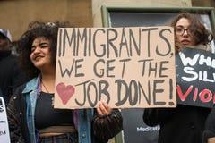 março contra a demonstração nacional do racismo - Londres - Reino Unido imagem de stock royalty free