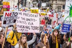 março contra políticas do trunfo foto de stock