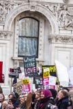 março contra políticas do trunfo fotografia de stock