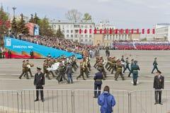 março militar da orquestra do russo na parada na vitória anual Imagem de Stock