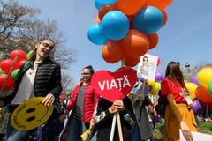 março para a vida - Bucareste, Romênia imagem de stock royalty free