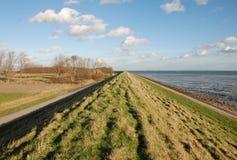 maré de ebb holandesa do dique da vista Fotografia de Stock