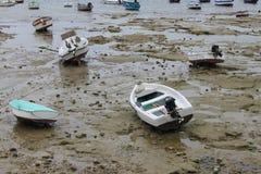 Marée basse à Cadix Image stock