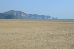 Marée basse dans Krabi, Thaïlande Photo stock