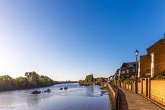 Marée basse sur la Tamise, Chiswick Photos stock