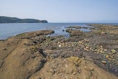 Marée basse sur Rocky Coast images libres de droits