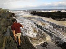 Marée rouge au parc national de Tsitsikamma, Afrique du Sud Photographie stock libre de droits
