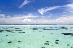 Mar abierto bajo fotos de archivo libres de regalías